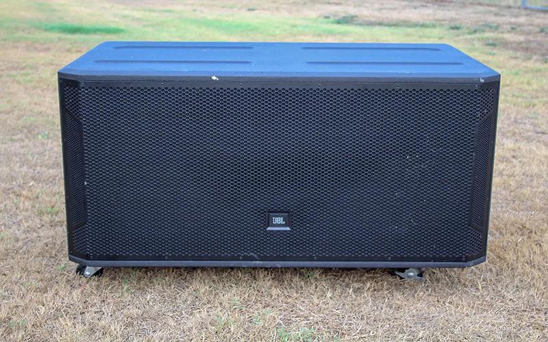 Loa sub JBL STX828S