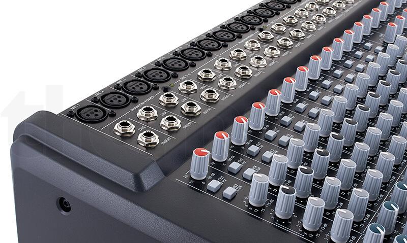Ổ cắm của Mixer Dynacord CMS 1600