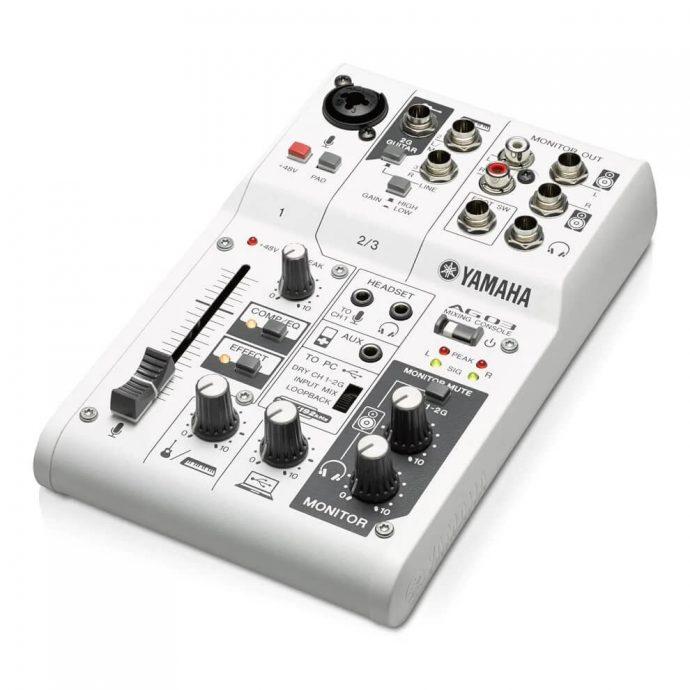 Bàn Mixer Yamaha AG03