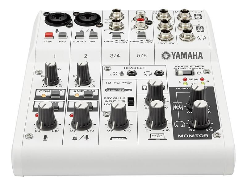 Bảng điều khiển Mixer Yamaha AG06