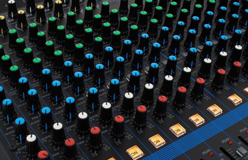 Núm điều khiển của Mixer Yamaha MG20XU