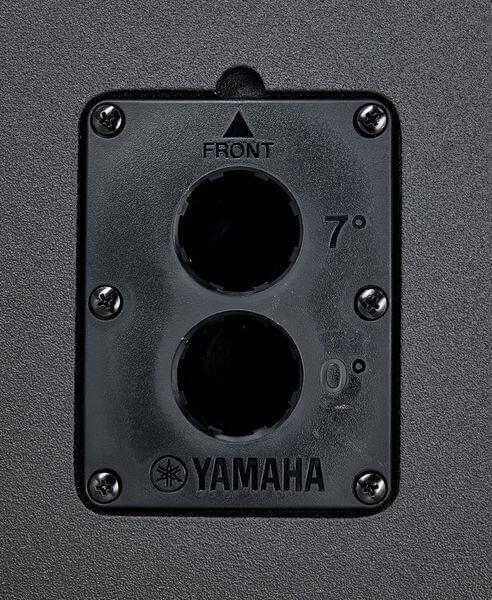 Ổ cực cắm của loa Yamaha CZR10