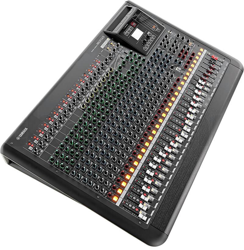 Giao diện điều khiển của Mixer Yamaha MGP24X