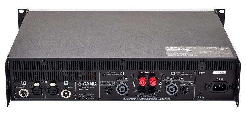 Mặt sau cục đẩy công suất Yamaha PX8