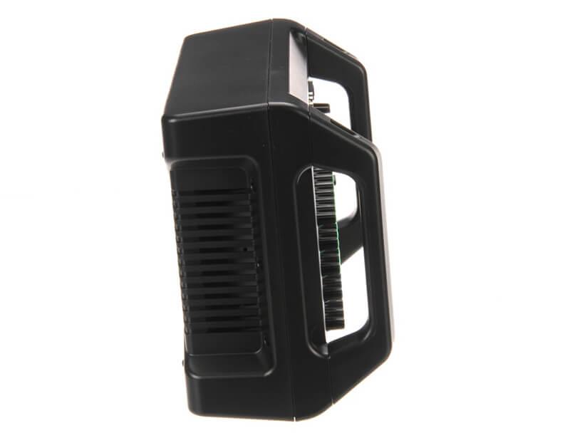 Mixer Yamaha EMX2 có kích thước nhỏ gọn