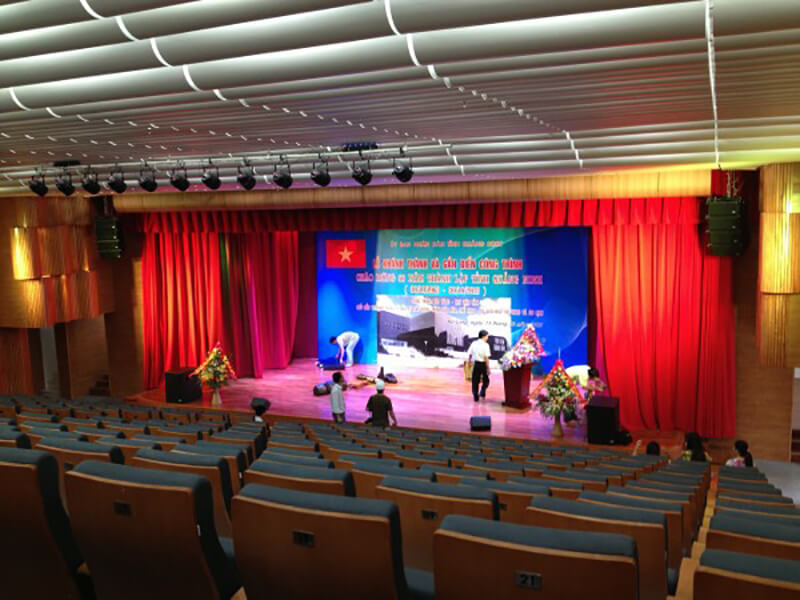 Lăp đặt loa hội trường tại Quảng Ninh