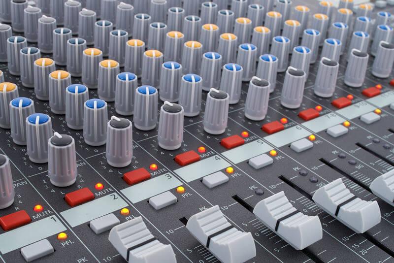 Núm điều chỉnh của Mixer Dynacord Powermate 1000-3